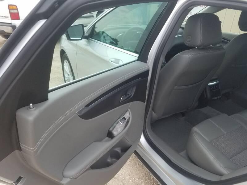 2015 Chevrolet Impala LT 4dr Sedan w/2LT - Lolo MT