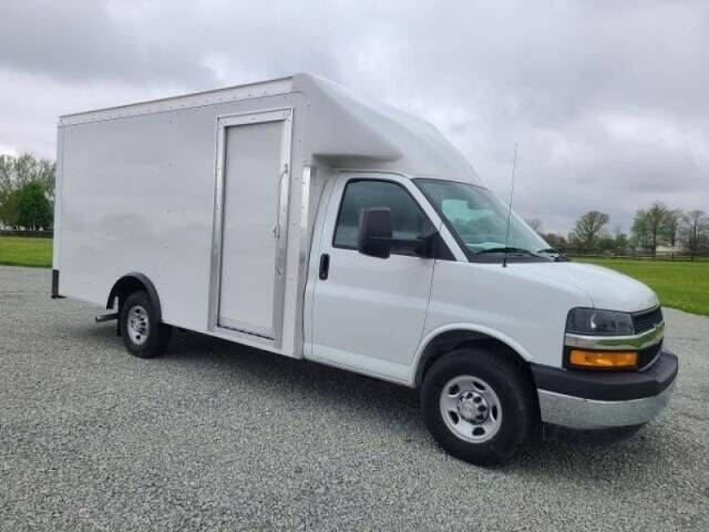 2021 Chevrolet Express Cutaway for sale at Signature Truck Center in Crystal Lake IL