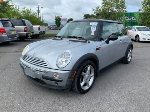 2004 MINI Cooper for sale at Diana Rico LLC in Dalton GA