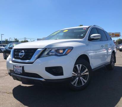 2017 Nissan Pathfinder for sale at LUGO AUTO GROUP in Sacramento CA