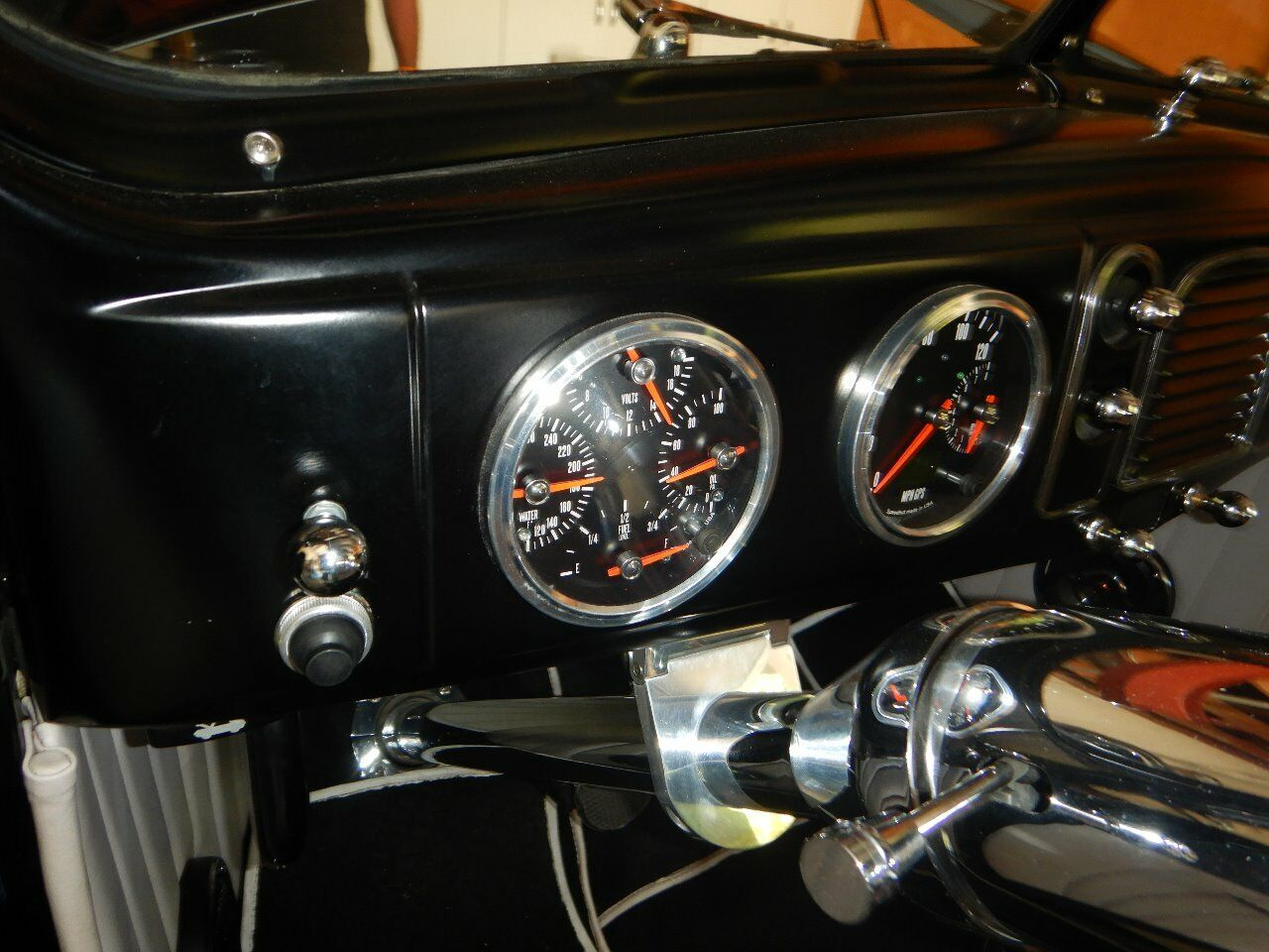 1938 Ford Cabriolet 44