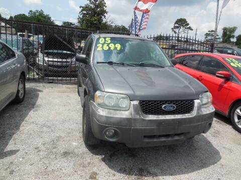 2005 Ford Escape for sale at SCOTT HARRISON MOTOR CO in Houston TX