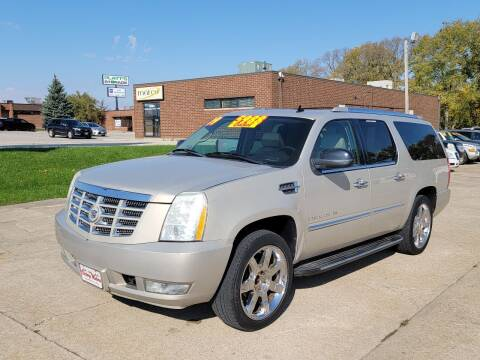 2009 Cadillac Escalade ESV for sale at Victory Motors in Waterloo IA