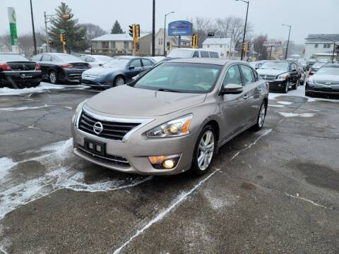 2013 Nissan Altima for sale at MOE MOTORS LLC in South Milwaukee WI