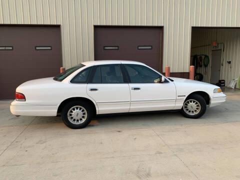 1995 Ford Crown Victoria for sale at Dakota Auto Inc. in Dakota City NE