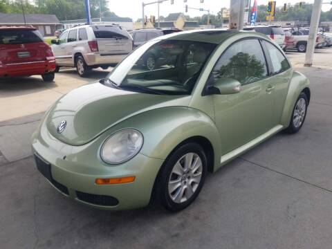 2009 Volkswagen New Beetle for sale at Springfield Select Autos in Springfield IL