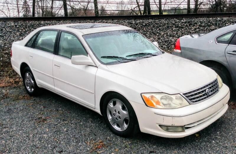 2003 Toyota Avalon for sale at Abingdon Auto Specialist Inc. in Abingdon VA