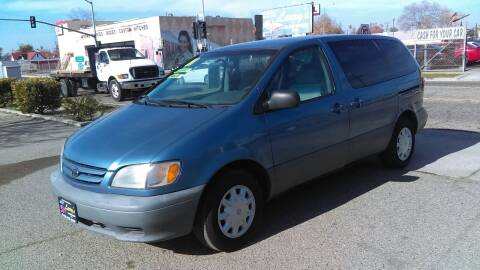 2001 Toyota Sienna for sale at Larry's Auto Sales Inc. in Fresno CA