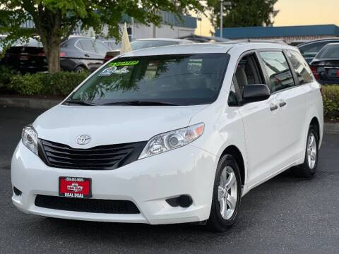2017 Toyota Sienna for sale at Real Deal Cars in Everett WA
