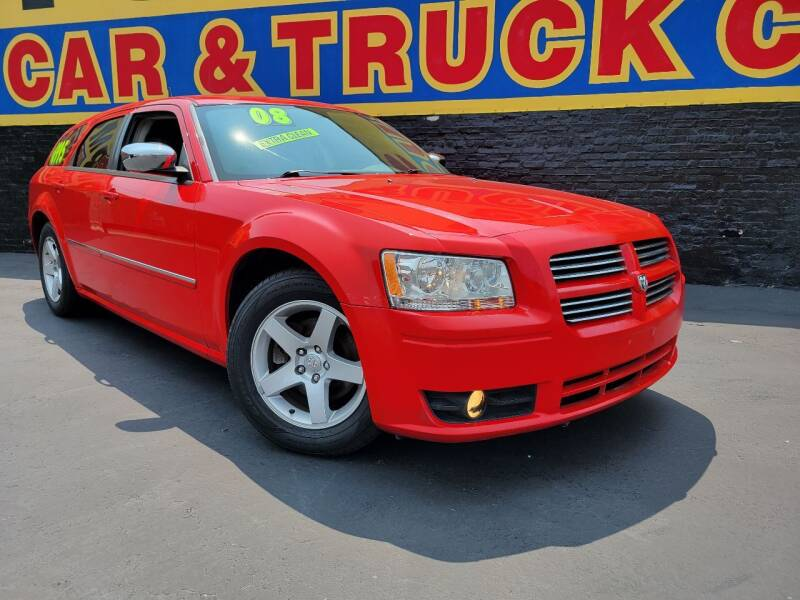 2008 Dodge Magnum for sale at B & R Motor Sales in Chicago IL