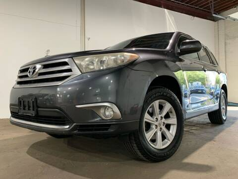 2011 Toyota Highlander for sale at International Auto Sales in Hasbrouck Heights NJ