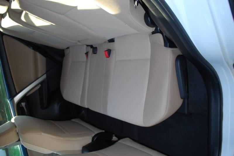2015 Toyota RAV4 AWD XLE 4dr SUV - New Milford CT