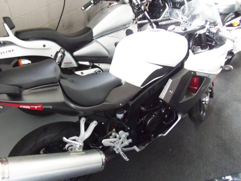2016 Hyosung gt 250 r  - Easton PA