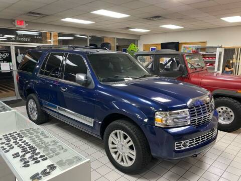 2011 Lincoln Navigator for sale at FIESTA MOTORS in Hagerstown MD