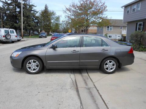 2007 Honda Accord for sale at Grand River Auto Sales in River Grove IL