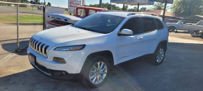 2014 Jeep Cherokee for sale at COLLECTABLE-CARS LLC in Nacogdoches TX