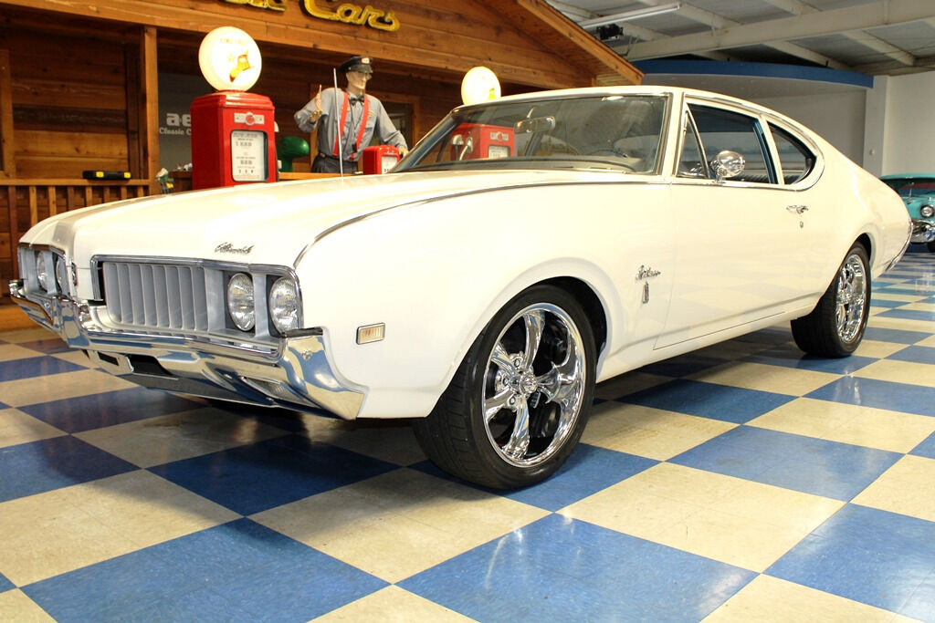 1969 Oldsmobile Cutlass 5
