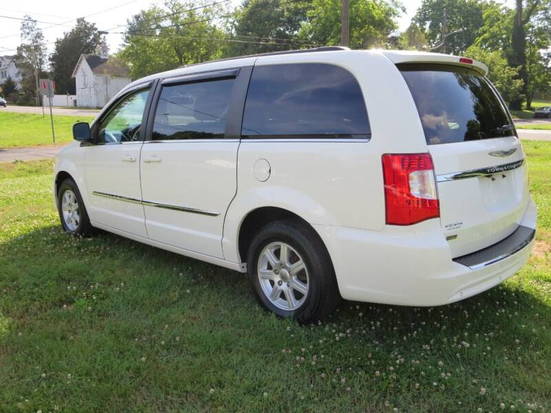 2012 Chrysler Town and Country Touring 4dr Mini-Van - Odessa DE