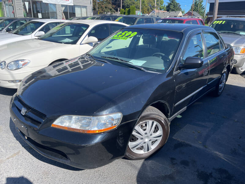 2000 Honda Accord for sale at American Dream Motors in Everett WA