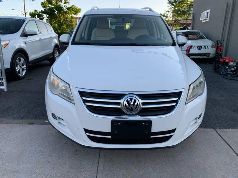 2010 Volkswagen Tiguan for sale at SUNSHINE AUTO SALES LLC in Paterson NJ