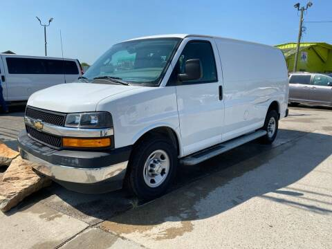 2018 Chevrolet Express Cargo for sale at RODRIGUEZ MOTORS CO. in Houston TX