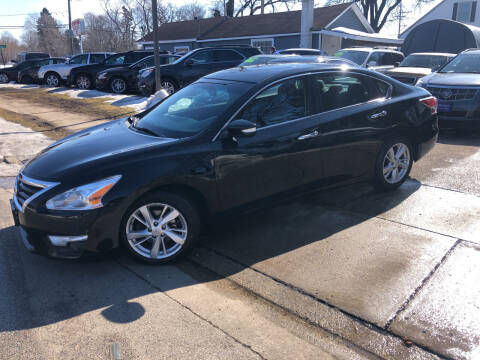 2015 Nissan Altima for sale at CPM Motors Inc in Elgin IL