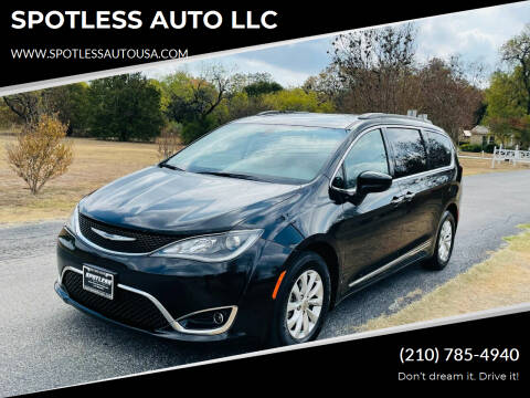 2017 Chrysler Pacifica for sale at SPOTLESS AUTO LLC in San Antonio TX