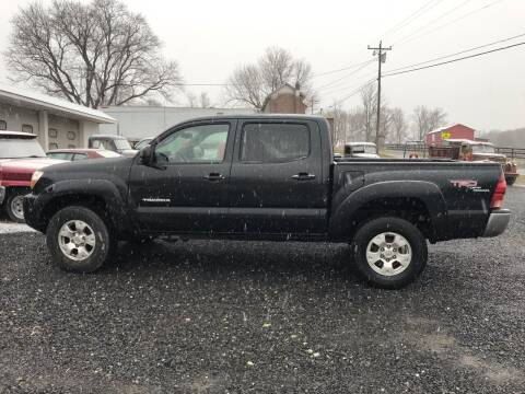 2006 Toyota Tacoma for sale at Full Throttle Auto Sales in Woodstock VA