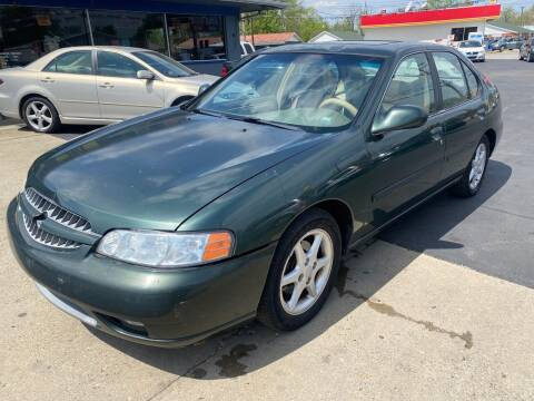 2000 Nissan Altima for sale at Wise Investments Auto Sales in Sellersburg IN