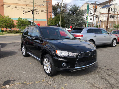 2010 Mitsubishi Outlander for sale at 103 Auto Sales in Bloomfield NJ