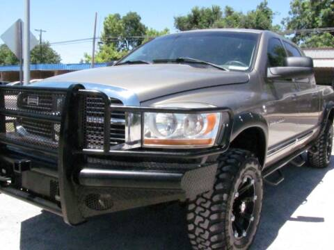 2006 Dodge Ram Pickup 2500 for sale at CANTWEIGHT CLASSICS in Maysville OK