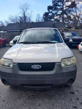 2005 Ford Escape for sale at DL Autos in Lenoir NC