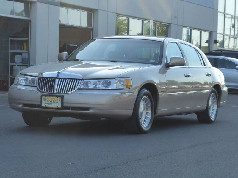 1998 Lincoln Town Car for sale at Loudoun Motor Cars in Chantilly VA