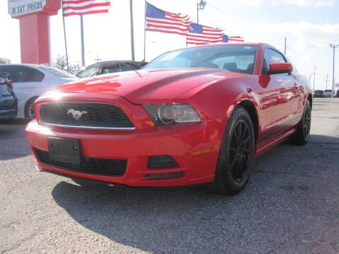 2014 Ford Mustang for sale at T & D Motor Company in Bethany OK