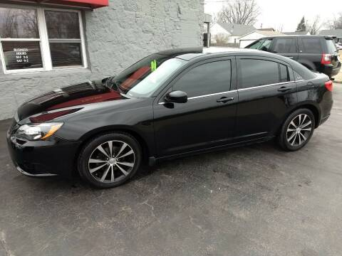 2013 Chrysler 200 for sale at Economy Motors in Muncie IN