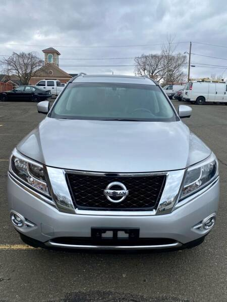 2014 Nissan Pathfinder for sale at AR's Used Car Sales LLC in Danbury CT