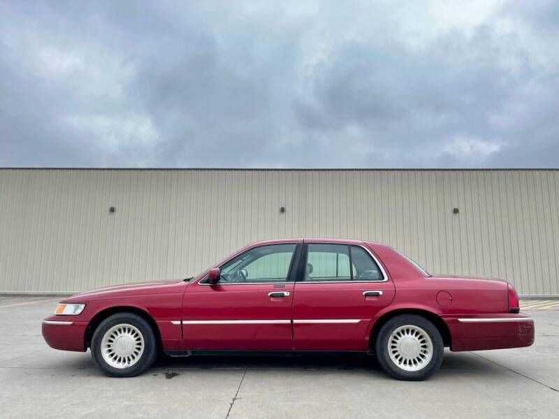 2000 Mercury Grand Marquis for sale at TnT Auto Plex in Platte SD