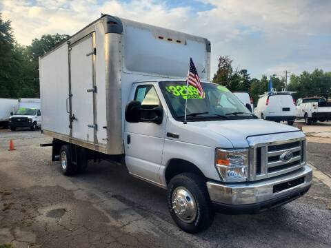 2017 Ford E-Series Chassis for sale at H & H Enterprise Auto Sales Inc in Charlotte NC