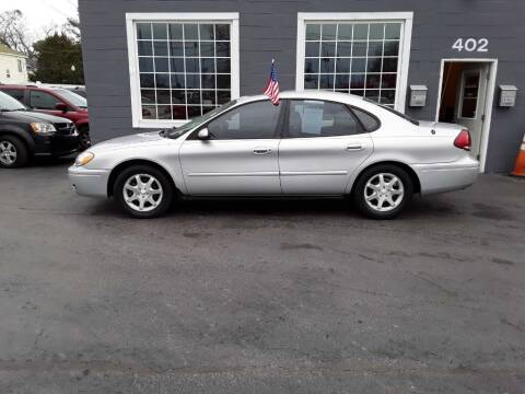 2006 Ford Taurus for sale at Creditmax Auto Sales in Suffolk VA