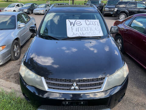 2007 Mitsubishi Outlander for sale at Continental Auto Sales in White Bear Lake MN