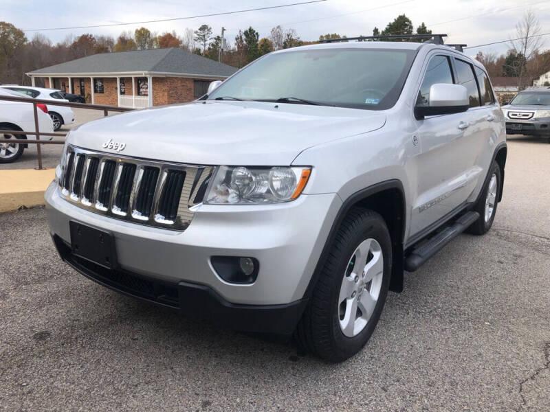 2011 Jeep Grand Cherokee for sale at Doug's Auto Sales in Danville VA