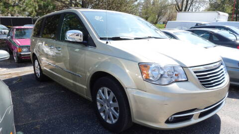 2012 Chrysler Town and Country for sale at ARP in Waukesha WI
