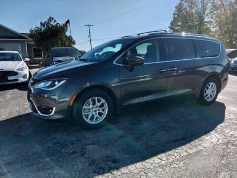 2019 Chrysler Pacifica for sale at Premier Auto Sales Inc. in Big Rapids MI