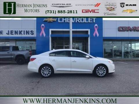 2013 Buick LaCrosse for sale at CAR MART in Union City TN