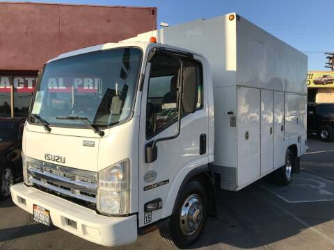 2009 Isuzu NPR-HD for sale at Sanmiguel Motors in South Gate CA