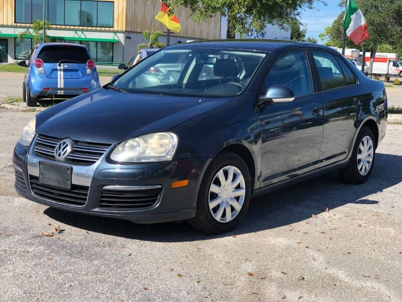 2006 Volkswagen Jetta for sale at Pro Cars Of Sarasota Inc in Sarasota FL