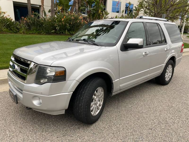 2012 Ford Expedition for sale at Donada  Group Inc in Arleta CA