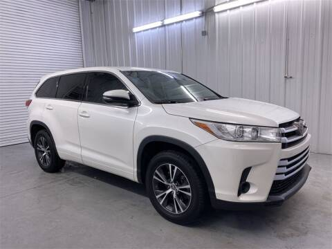 2018 Toyota Highlander for sale at JOE BULLARD USED CARS in Mobile AL