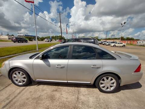 2006 Ford Five Hundred for sale at BIG 7 USED CARS INC in League City TX