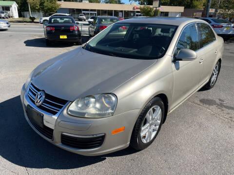2006 Volkswagen Jetta for sale at Diana Rico LLC in Dalton GA